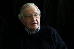 Noam Chomsky – Le 10 strategie della manipolazione.
